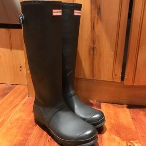 Hunter tall black matte boots